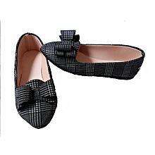 chaussures ballerines pour femme bout pointu avec noeud - noir et blanc simple
