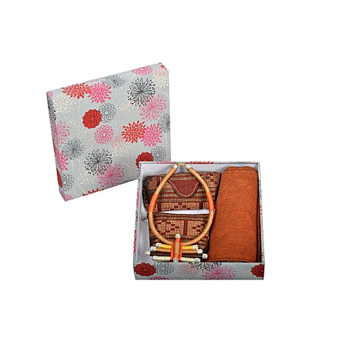 Collection Signare - Coffret Cadeau   Écharpe en pagne Tissè, Collier,  Pochette et ètui 419042d15b4